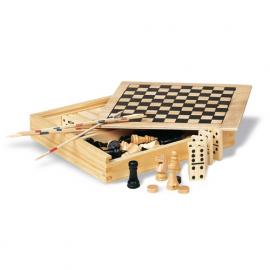 4 jocuri in cutie din lemn